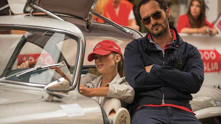 """Un'immagine dallo sceneggiato televisivo """"Rosso Mille Miglia"""" Fabio Troiano è insieme a Martina Stella"""