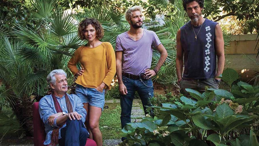 """Una scena tratta dal film """"Croce e delizia"""" di Simone Godano. Con Alessandro: Fabrizio Bentivoglio, Jasmine Trinca e Filippo Scicchitano."""