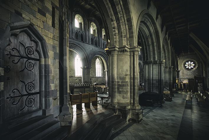 Vista interna della Cattedrale di Saint Davids, al confine con l'Inghilterra.