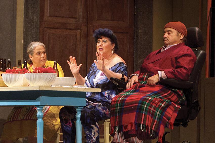 """Una scena dallo spettacolo teatrale """"Così parlò Bellavista"""""""